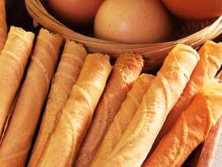 Yuk baca resep kue egg roll / semprong