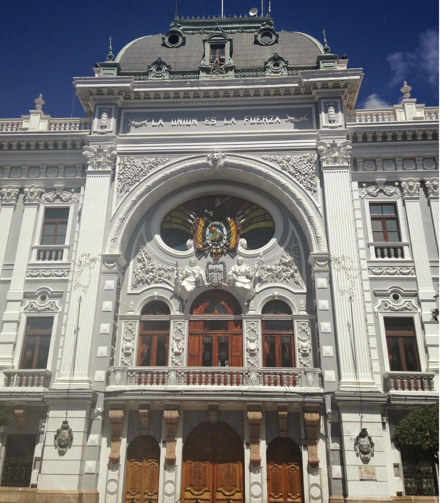 sucre plaza bolivia
