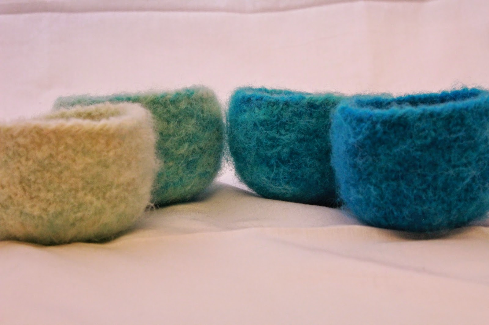 Emilys Knitted Whimsy: Pattern - Ombre Felted Trinket Bowls in Two Sizes