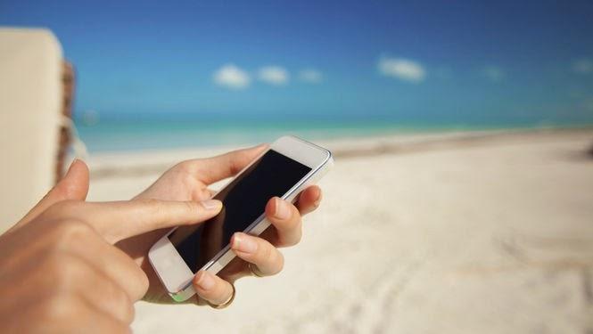 Las operadoras lanzan sus ofertas de verano: fibra óptica más rápida y tarifas móviles con más megas