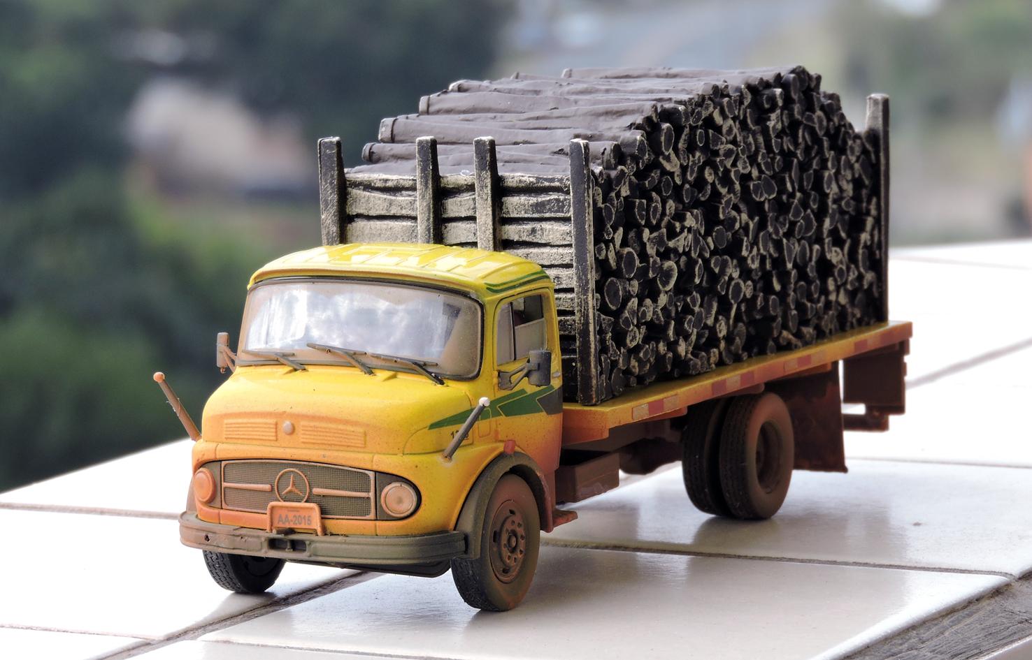 Miniaturas do asfalto mercedes benz 1313 para transporte for Mercedes benz of wilmington de
