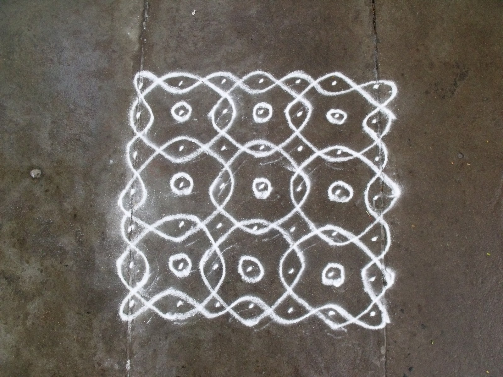 Search results for simple kolam with dots calendar 2015 for Apartment kolam design