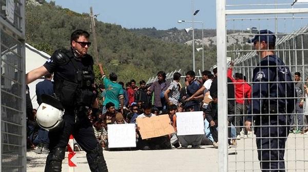 Ελεύθερα θα κυκλοφορούν οι μουσουλμάνοι σε Χίο και Λέσβο - ΣΟΚ στους κατοίκους!