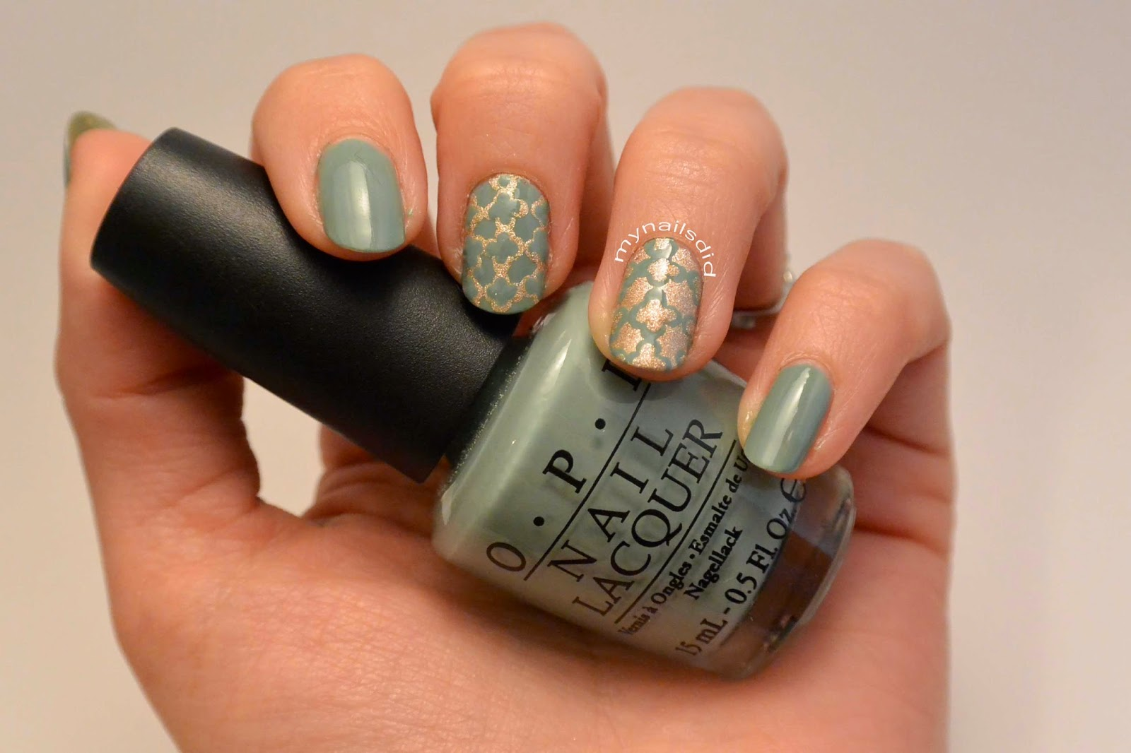My Nails Did: Green & Gold Quatrefoil mani