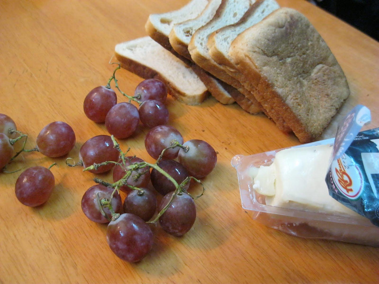 Ramadan Kareem, Part 2/Herbed Grape-and-Cheese Panini.