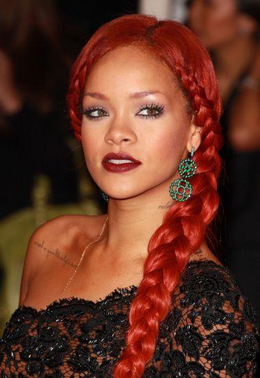 Treinos - Temporada 1 Rihanna_Red_Hair