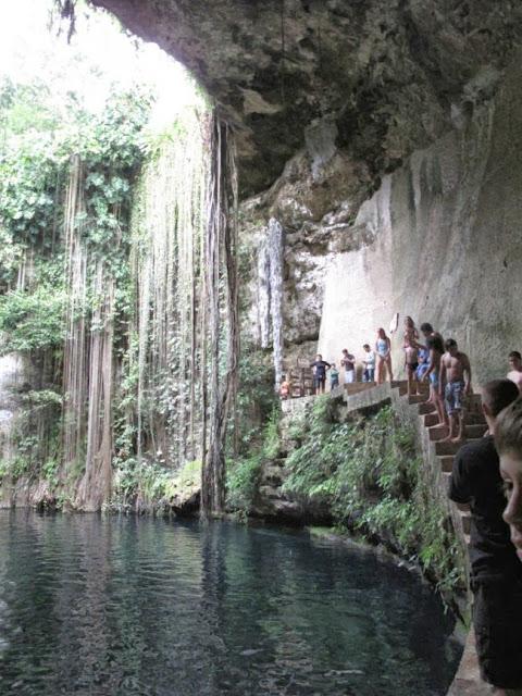 O Cenote Azul do México