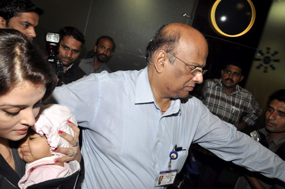 Full Photos of Aaradhya Bachchan Abhi-Ash's daughter 56148859