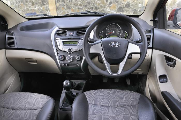 test drive and review of new hyundai eon autocars. Black Bedroom Furniture Sets. Home Design Ideas
