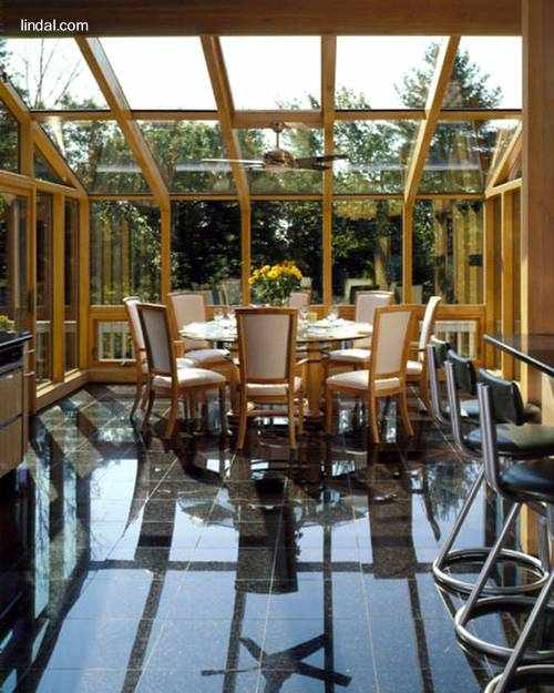 Arquitectura de casas: cerramientos en cristal y madera de cedro.