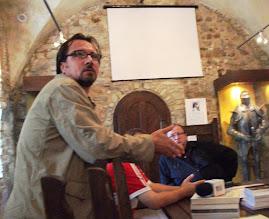 Aspect din timpul conferinţei d-lui Liviu Pilat, Zilele Cetăţii Neamţ,  3.VII.2011...