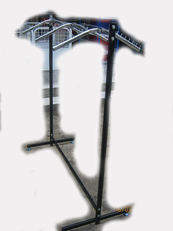 Rak+Gawang+beroda+warna+hitam+jual+rak+gudang rak+minimarket rak+gantungan +rakrak+gantungan+baju RAK GAWANG BAJU