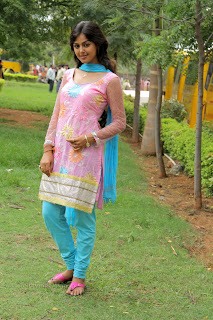 Monal Gajjar latest gorgeous Pictures 003.jpg