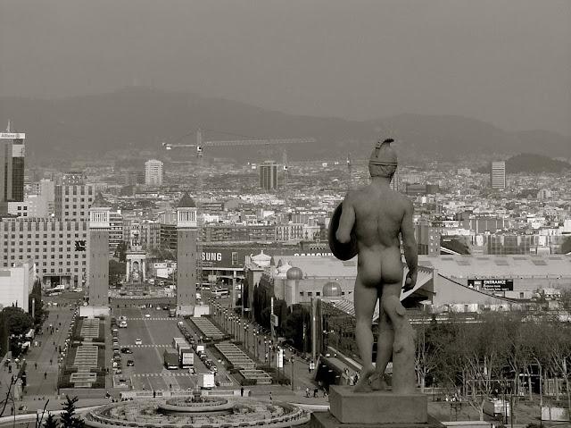 http://www.panoramio.com/photo/18019632