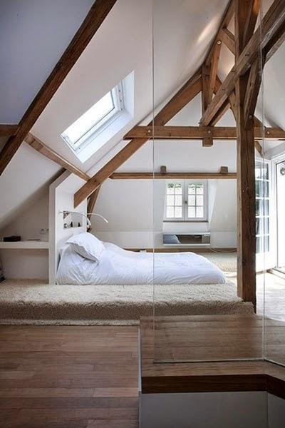 Sypialnia, styl skandynawski, scandinavian style, bedroom, w bieli, white, romantic, materac na podłodze, bez łóżka,