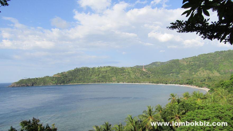 Gambar pemandangan pantai nipah lombok