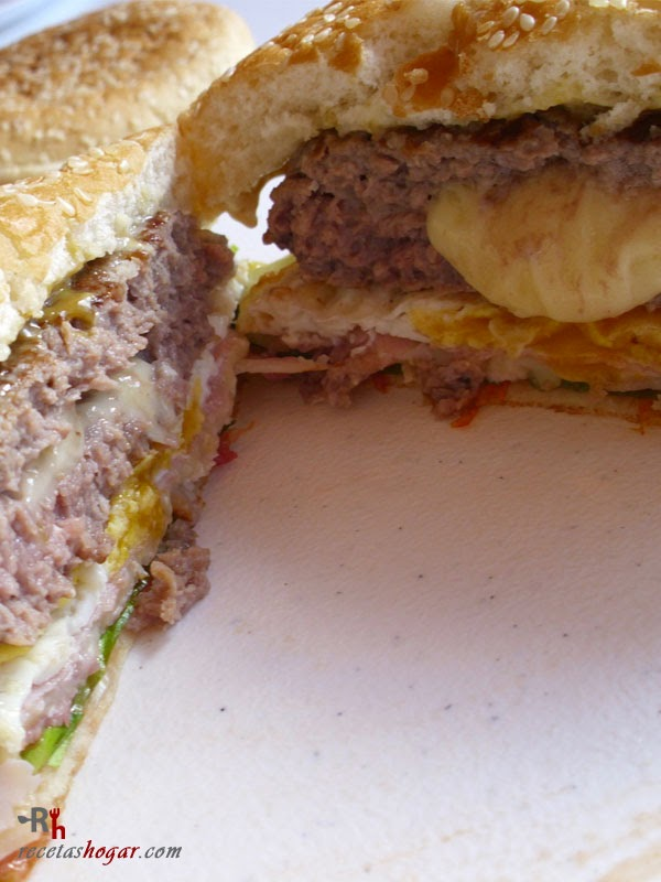 Hamburguesa Juicy Lucy-de cerca