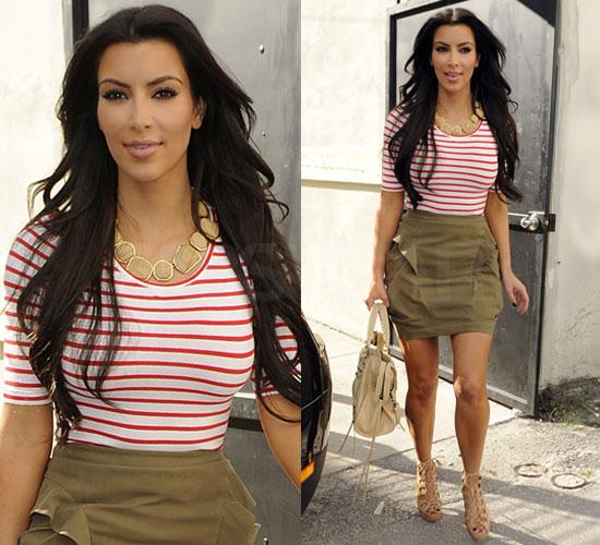 http://2.bp.blogspot.com/-H9RuS173wBo/TaJ7Sqti3aI/AAAAAAAAAK8/AKFhUjc_DqY/s1600/4548c397ea01a2fb_Kim-Kardashian.jpg
