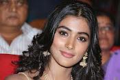 Pooja hegde glamorous photos-thumbnail-4