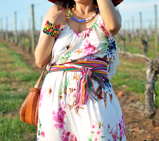 Outfit with ethnic accessories