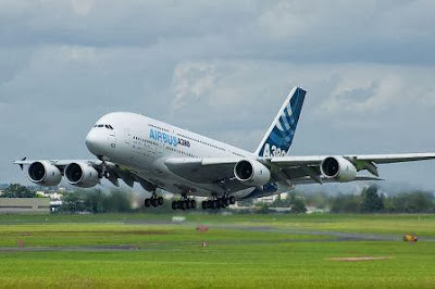 800px-Airbus_A380 (FILEminimizer)