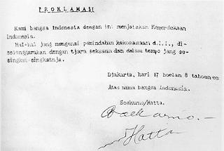 Naskah asli proklamasi yang ditempatkan di Monumen Nasional