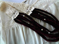 http://thelittletreasures.blogspot.mk/2015/12/vintage-inspired-diy-lace-and-velvet.html