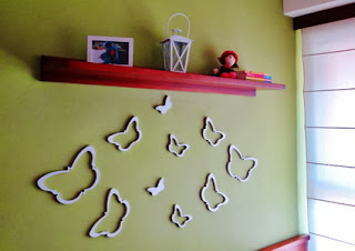 Wall decoration with wooden forms
