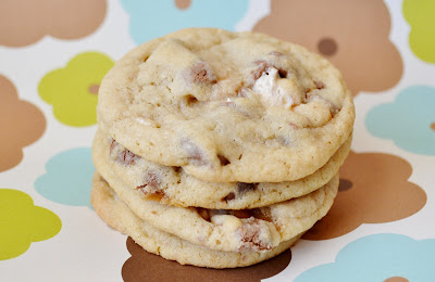 With all of this Halloween candy craziness Snickers Cookies