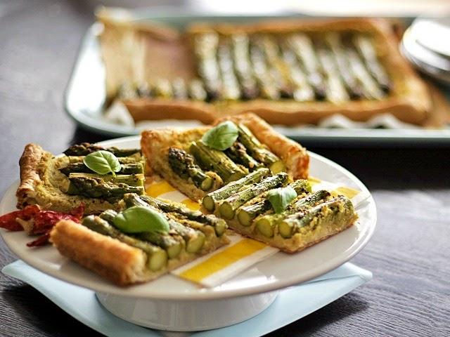 7390e38eb8 Loni jsme si oblíbili recept z kuchařky Den bez masa. Ten na obrázku je z  českého veganského blogu Veganotic a najdete ho tady.