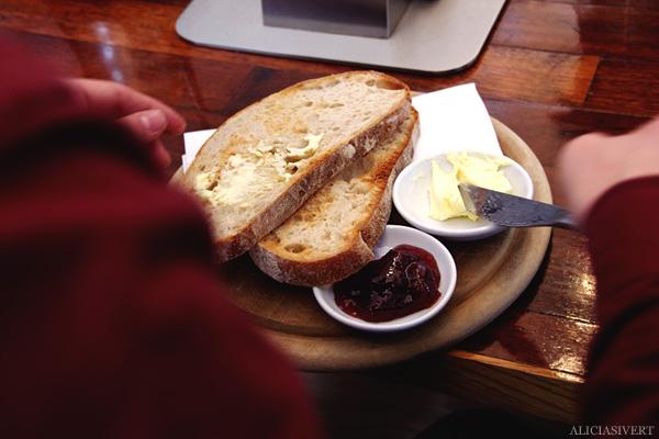 aliciasivert, alicia sivertsson, london med grabbarna, england, toast, prufrock café