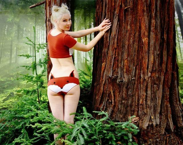 "The young Englishwoman ""Nichola"" alias Knickerocker creates panties with fun graphics from the world of children's cartoons (Mouk). Panda, fox, mouse, cat, bear."