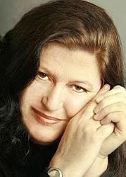 Alice LaPlante - Autora