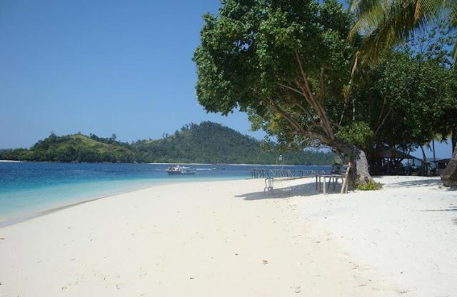 Rental Elf Pariwisata Ke Pantai Carita