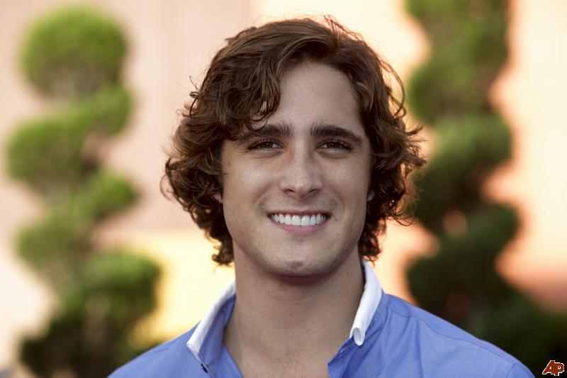 Hollywood Actor Diego Boneta Pictures And Wallpapers Fashion