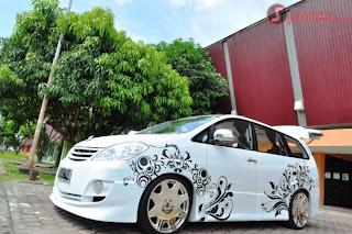 Modif Toyota Avanza putih