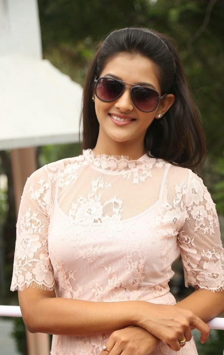 Pooja jhaveri hot photos