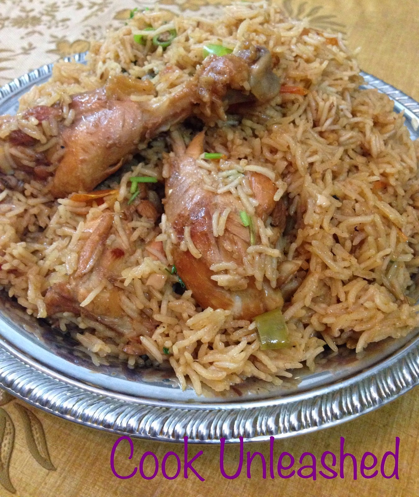 Watch How to Make Pakistani Pulao (Chicken and Rice Dish) video