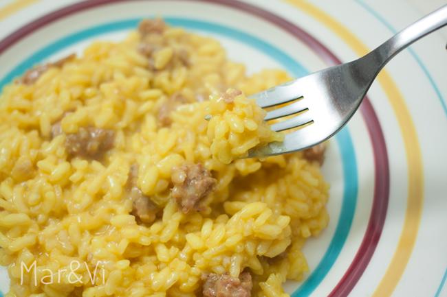 como preparar risotto alla milanese con salchichas paso a paso