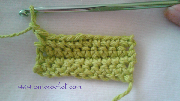 This step-by-step photo tutorial shows how to work a reverse single crochet edging. #OuiCrochet