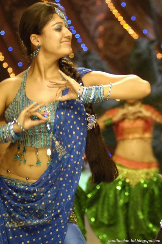Nayantara In Super Kannada Movie Hot Navel Show Photos Pics cleavage