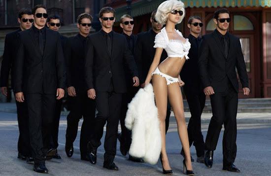 Zahia Dehar lance sa ligne de lingerie officielle