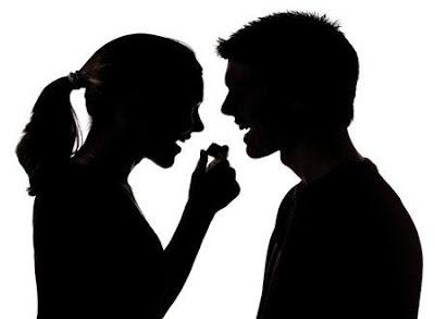 معتقدات خاطئة عن الزواج ....تخلص منها فورا - امرأة تكره رجل - زوجان يتشاجران - حياة زوجية تعيسة فاشلة - sad couple man and woman fighting