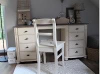 .Stylizacja sosnowego biurka