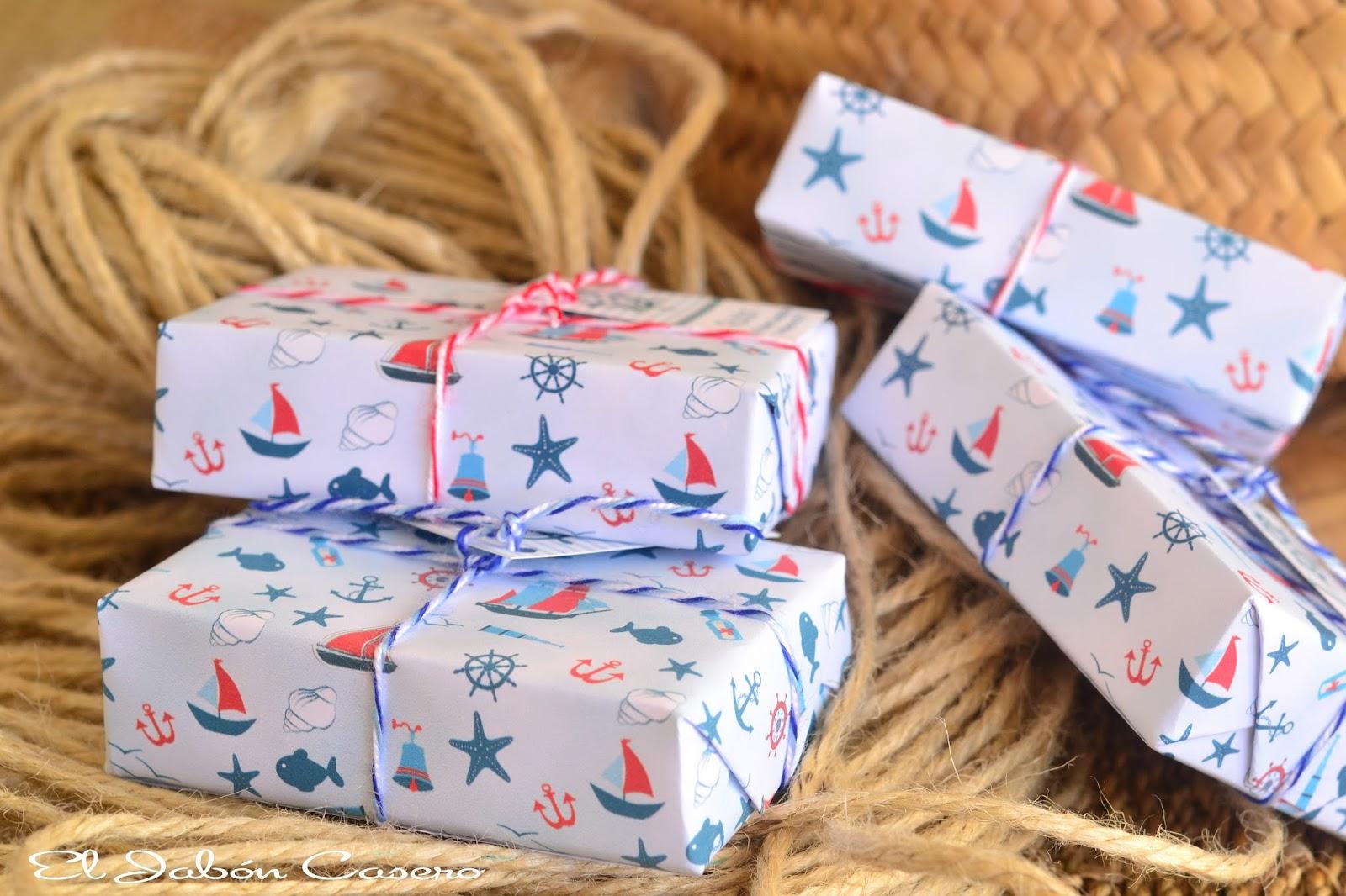Comunion marinera jabones personalizados en blanco y azul