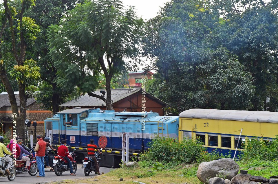 Pictures Kangra Valley Toy Train From Baijnath Himachal