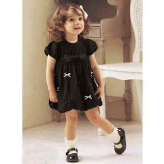 Foto Gambar Bayi Perempuan Cantik dan Lucu Banget