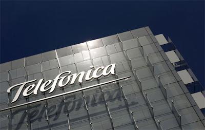 """(Caracas, 05 de febrero. EFE) La compañía Telefónica invertirá 790 millones de dólares (581,56 millones de euros) en Venezuela en 2013 con la vista puesta en la tecnología 4G y la intención de consolidar su primacía en el segmento de los smartphones o teléfonos inteligentes. """"Nuestra proyección de inversión para este año es de 3.400 millones de bolívares (790,7 millones de dólares)"""", dijo a Efe el presidente de Telefónica Venezuela, Pedro Cortez, al comentar el plan de trabajo de Movistar en el país. Cortez señaló que la inversión estará centrada en dos grandes apartados: por una parte """"toda la tecnología"""
