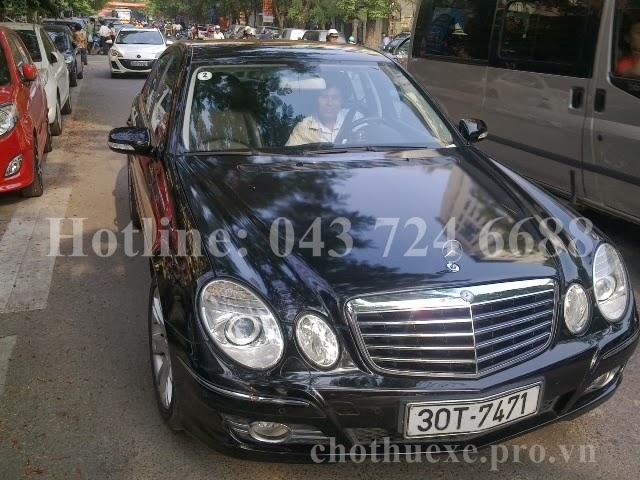 Cho thuê xe 4 chỗ Mercedes E280 hạng sang