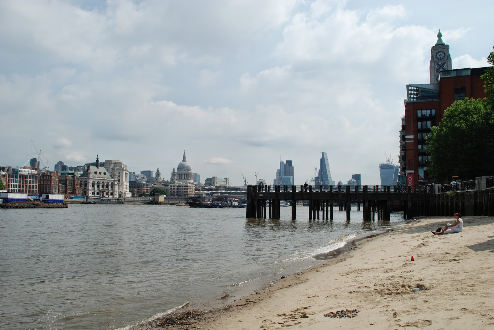 London Beach, Thames